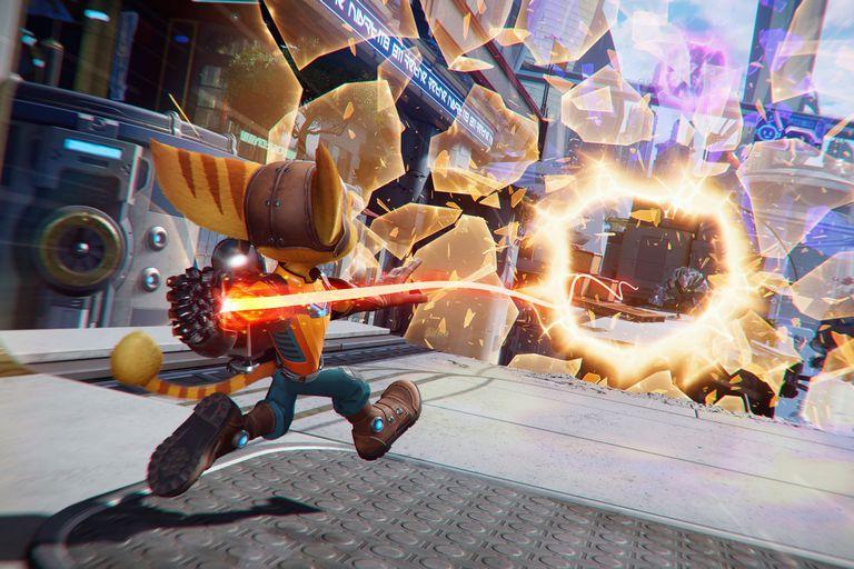 Una captura de Ratchet & Clank: RIft Apart, disponible para la PlayStation 5