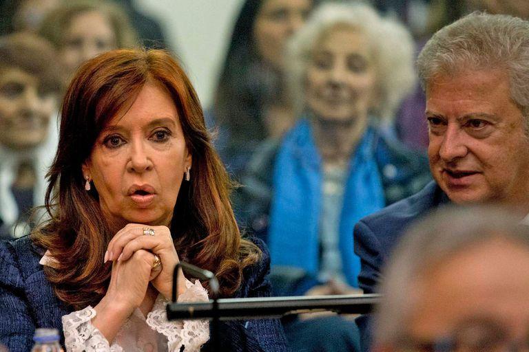 Cristina Kirchner y su abogado, Carlos Beraldi.