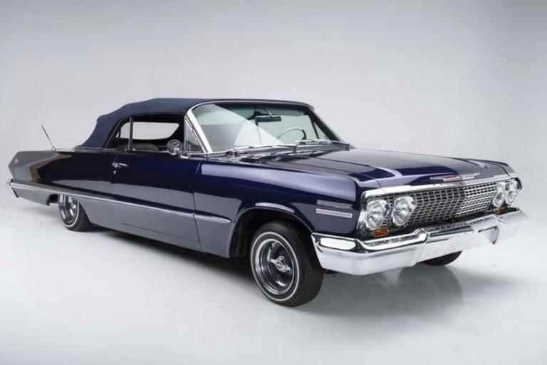 En 2006, Vanessa Bryant le regaló a su esposo, el basquetbolista Kobe Bryant, un Chevrolet Impala de 1963 modificado por los expertos de Enchúlame la Máquina, el programa de MTV dónde el taller transformó el vehículo en un modelo personalizado con los gustos del propietario