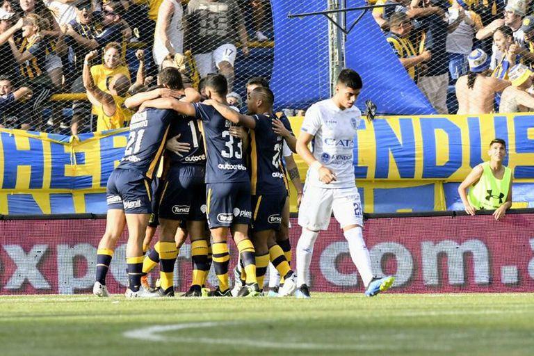 Aire para Cocca. El equipo le respondió y Rosario Central goleó a Godoy Cruz