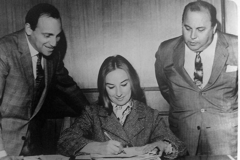 Mirtha Legrand firma su contrato con Canal 9