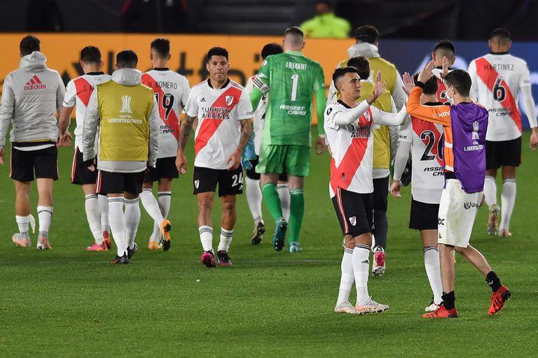 Salida con cabezas gachas; River sufrió un tropiezo que complica su futuro en la Copa