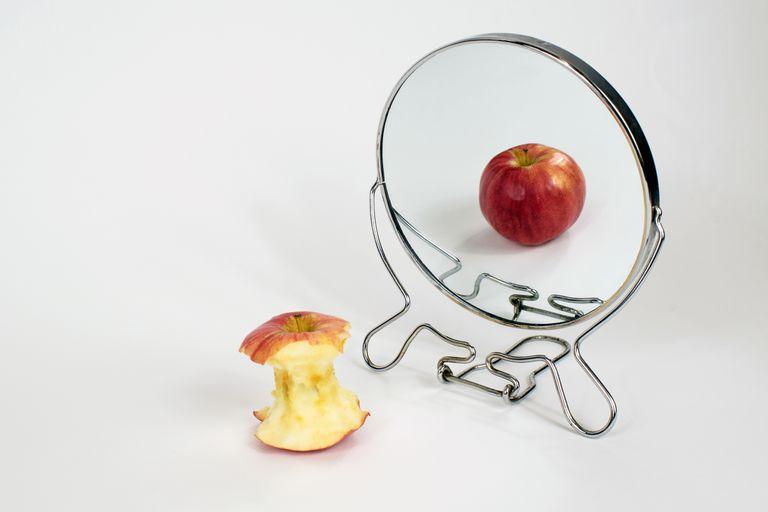 Son muchos los factores de estrés que comúnmente ocurren en la mitad de la vida de estas mujeres y que dan comienzo a los trastornos alimenticios
