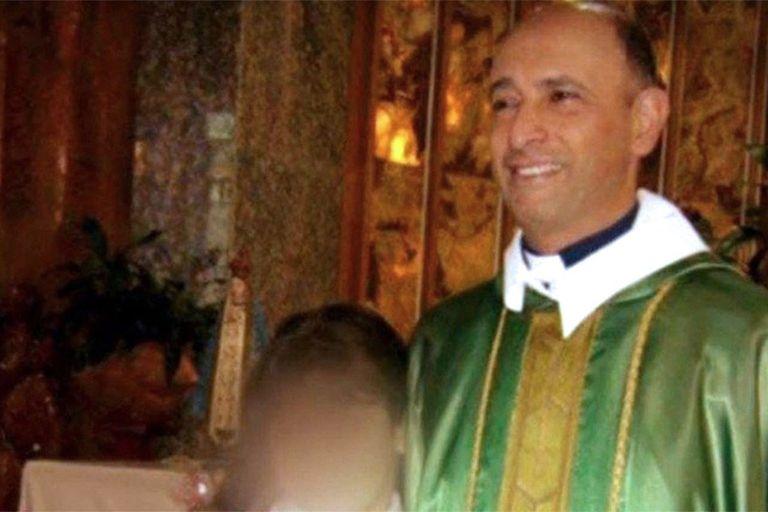 El ex cura Carlos Eduardo José, acusado de abuso sexual gravemente ultrajante, fue absuelto hoy por un tribunal de San Martín