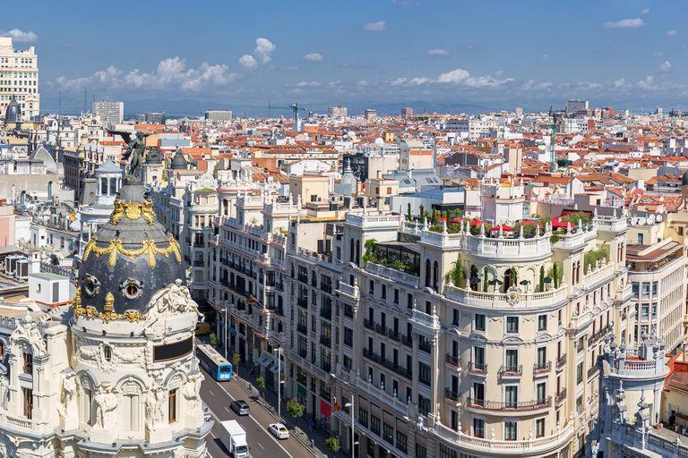 Por qué hay un boom de argentinos que invierten en España
