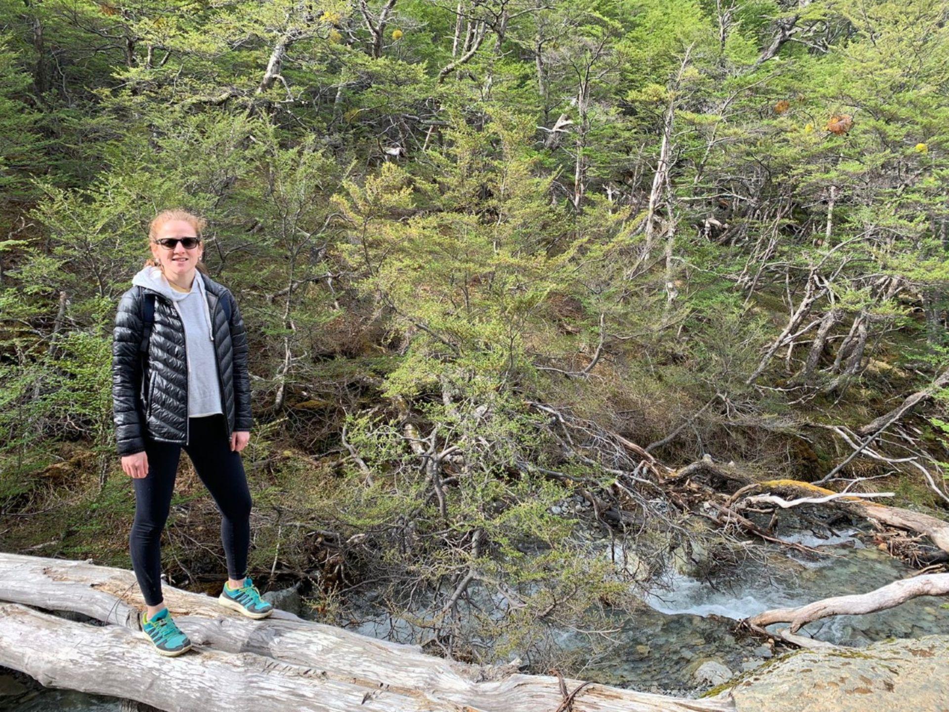 Ana se fortaleció en el contacto con la naturaleza realizando trekking, yoga, snowboard, remo y esquí.