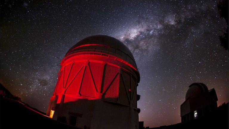 Se estudiaron 100 millones de galaxias con el telescopio Víctor M. Blanco de Chile para realizar el mapa