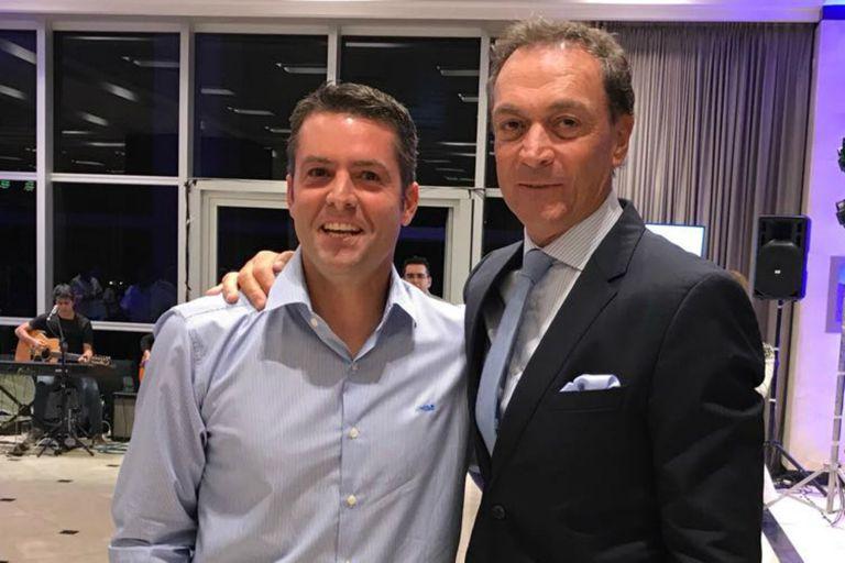 Agustín Calleri y José Luis Clerc, durante un reciente encuentro en San Juan. Un pago pendiente por 7,5 millones de pesos por una serie de Copa Davis en Tecnópolis, eje de una investigación de la Oficina Anticorrupción