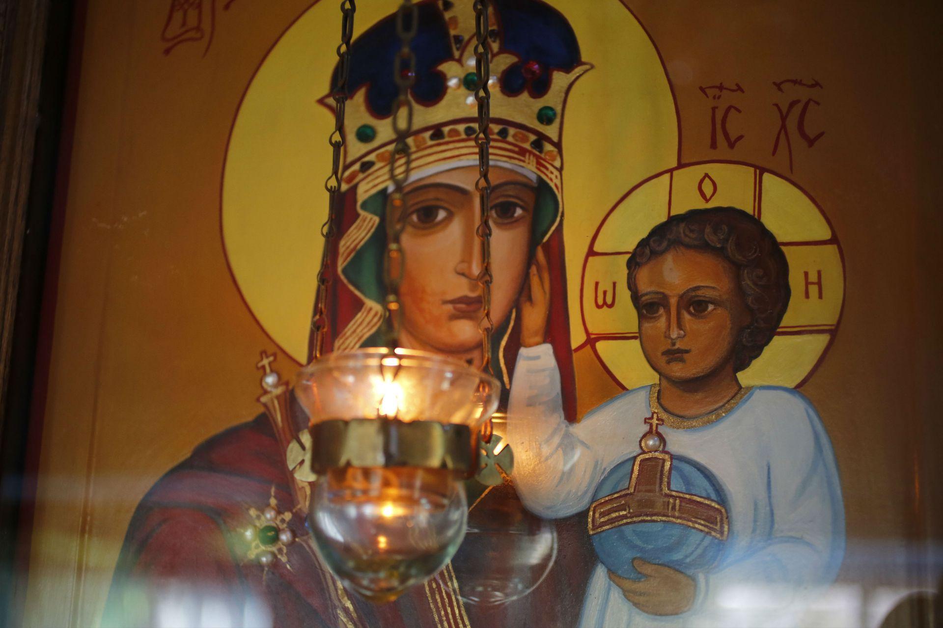 Una imagen de la Virgen y Jesús