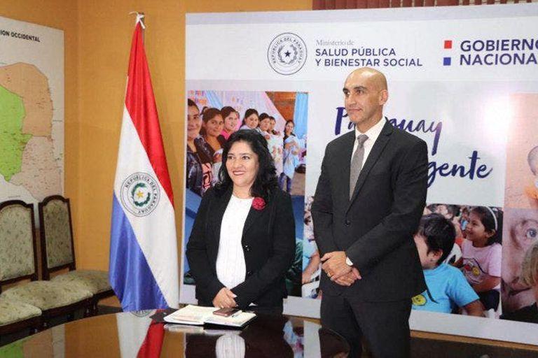 La ministra de Turismo de Paraguay, Sofía Montiel, en la firma del acuerdo