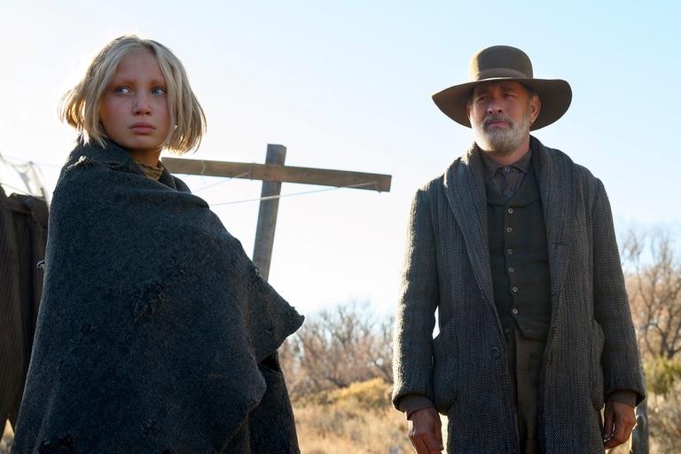 Helena Zengel, nominada como actriz de reparto, junto a Tom Hanks en Noticias del gran mundo, de Paul Greengrass, que puede verse en Netflix