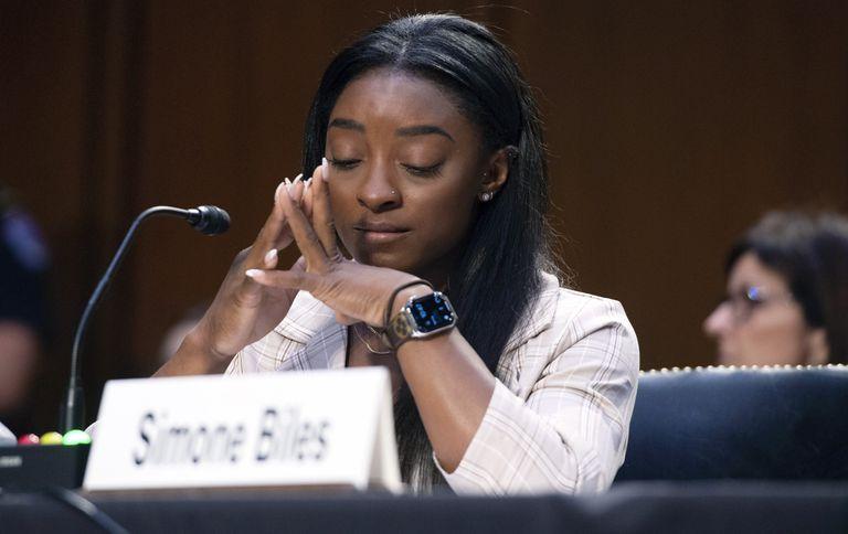 Simone Biles se quebró emocionalmente durante la audiencia en el Senado por el manejo del FBI en la investigación sobre Larry Nassar, el médico de la selección de gimnasia acusado de abusos sexuales.