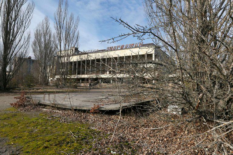 Un complejo habitacional librado a su suerte y al abandono desde el día siguiente del accidente de Chernobyl en abril de 1986