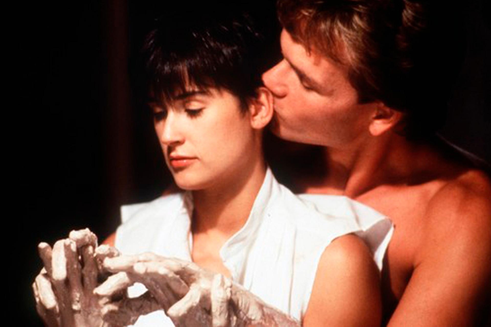 A 30 Años De Ghost La Sombra Del Amor Un Romance Que Rompió La Taquilla Y Puso De Moda A La Alfarería La Nacion