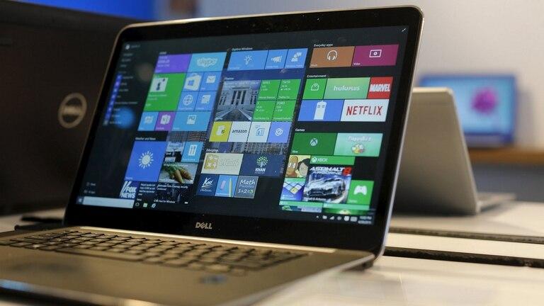 Según Gartner e IDC, los fabricantes enviaron entre 71 y 75 millones de computadoras personales en el cuarto trimestre de 2015, y continúan la tendencia decreciente en ventas