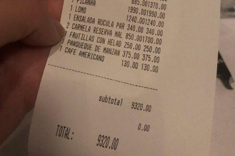$9300 por una cena: los tickets de restaurantes abren la grieta en Twitter