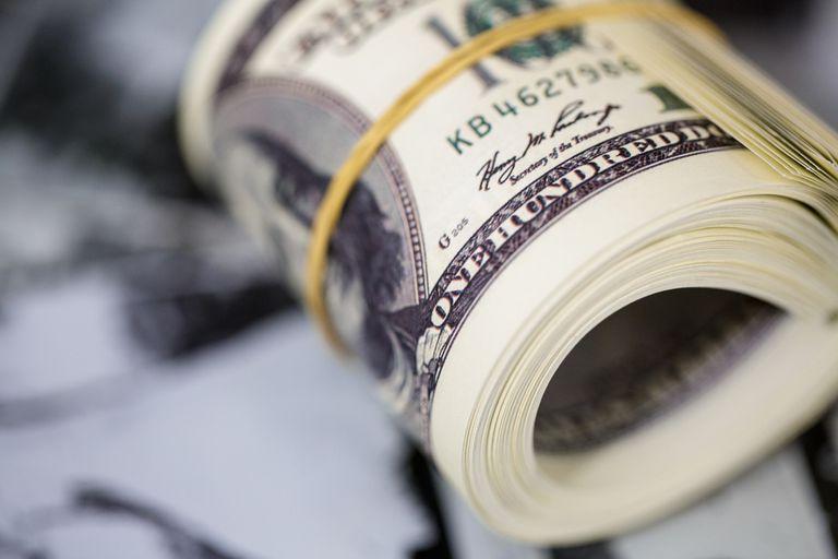 El Gobierno salió a cortar la tendencia alcista de los dólares financieros y a aplacar la suba de los contratos de futuros, en un rueda en la que el blue subió más del 2% y volvió a niveles de comienzos de marzo