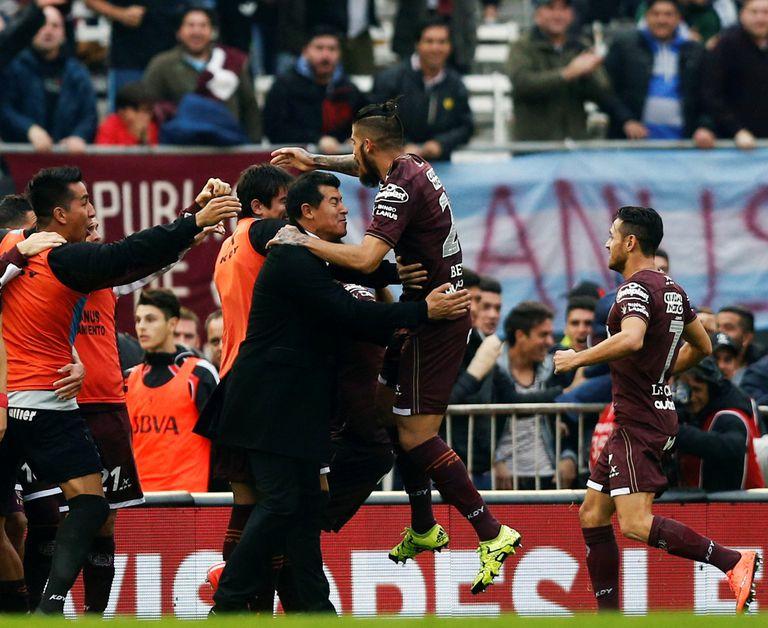 En Lanús, Jorge Almirón ganó tres títulos, llegó a la final de la Copa Libertadores 2017 y recibió elogios de todo el ambiente del fútbol