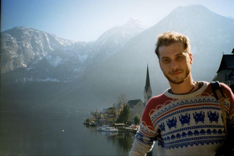 Dejó su trabajo para diseñar sweaters, invirtió US$1000 y factura $5 millones