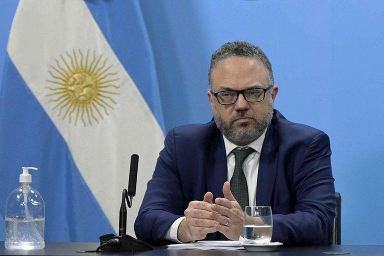 Los mayoristas y supermercados del interior acusaron al ministro Matías Kulfas de discriminación, por dejarlos afuera de los acuerdos de precios