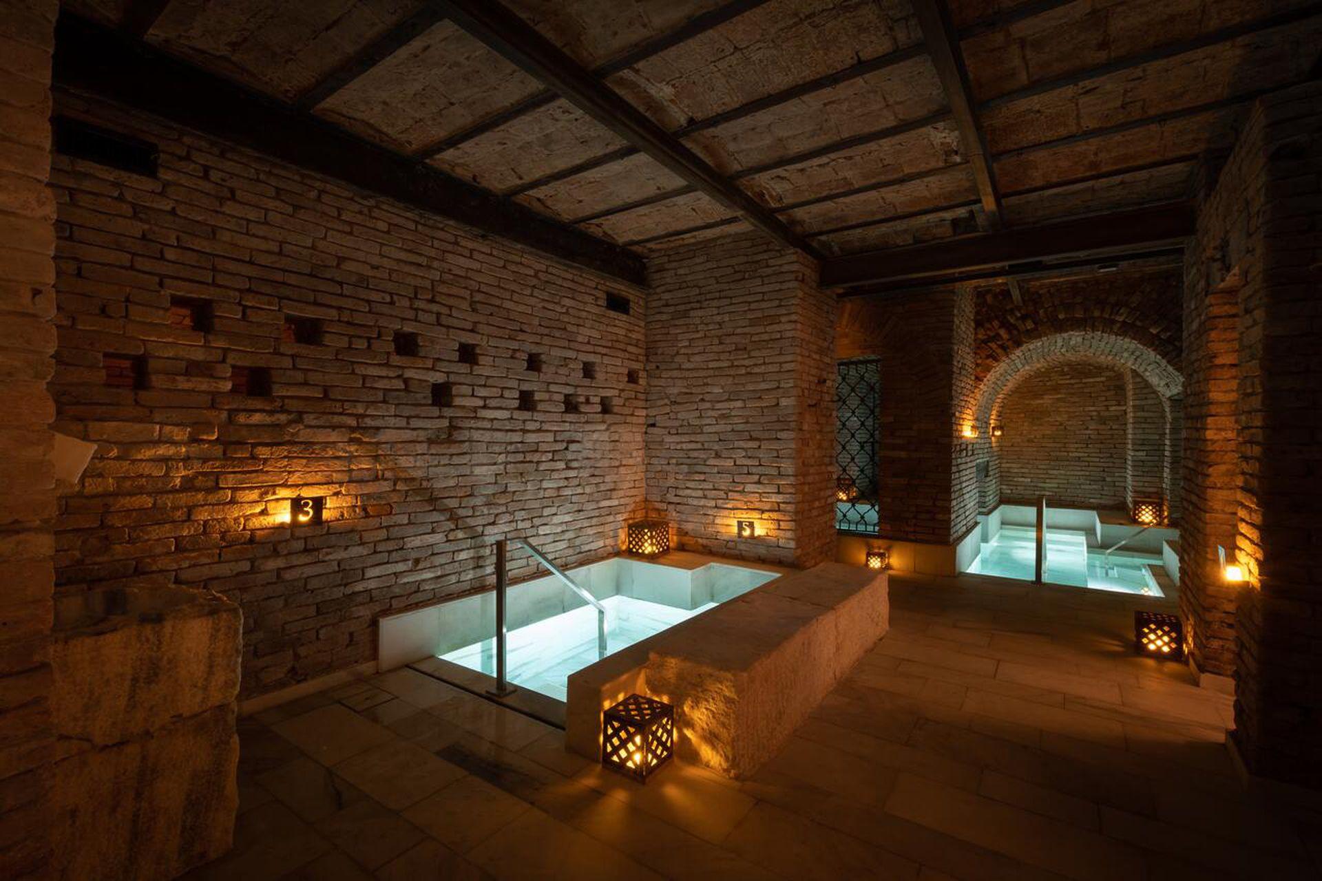Los baños romanos de Azur Real Hotel