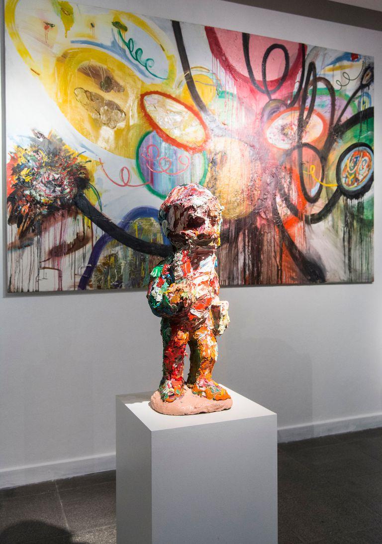 Juan Becú (Argentina), Big Baboom, óleo sobre tela y esculturas realizadas en óleo