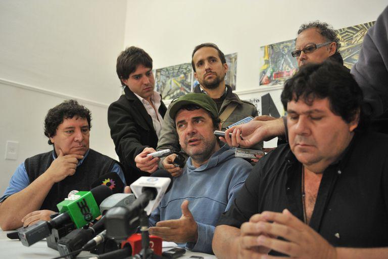 Enrique Rositto, Roberto Pianelli (centro) y Néstor Segovia, miembros de la Asociación Gremial de Trabajadores del Subte y Premetro