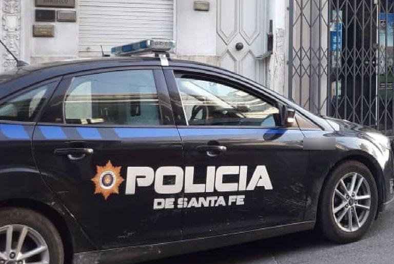 Un policía siguió con un patrullero a su expareja y la mató de un disparo