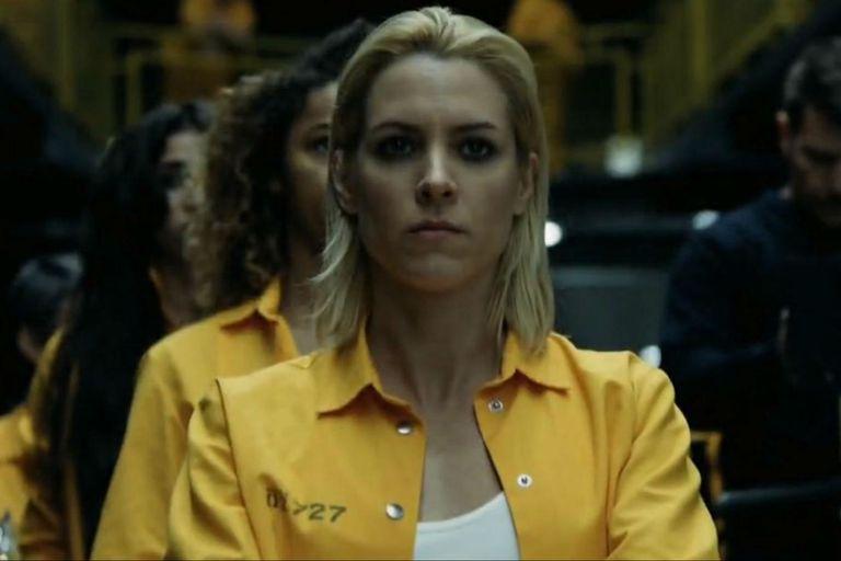 Maggie Civantos es la ingénua Macarena que deberá adaptarse a un ambiente muy hostil