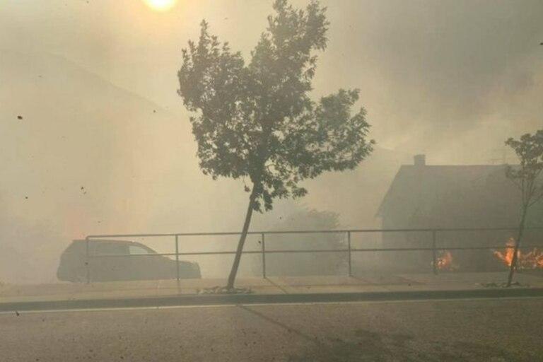 El fuego arrasa una localidad de Canadá en plena ola de calor histórica