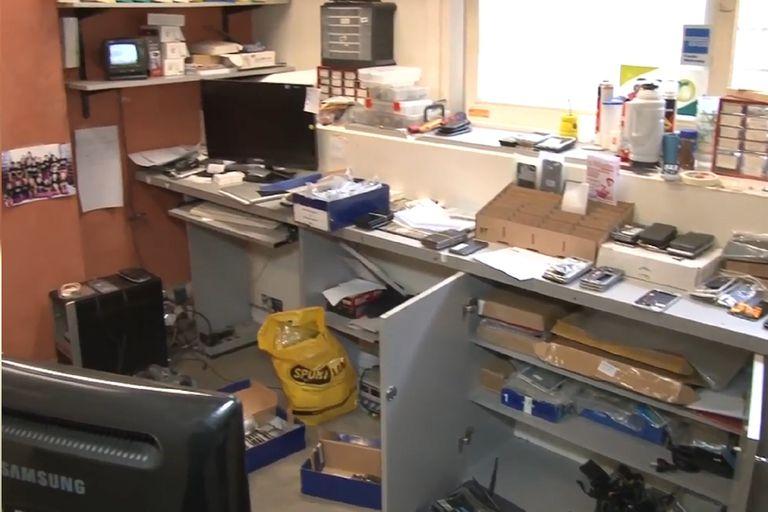La oficina donde desbloqueaban celulares