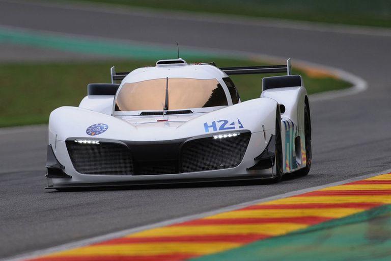 En las pistas. El prototipo LMPH2G de hidrógeno se usó en los procedimientos previos a la largada de las 24H de Le Mans 2020