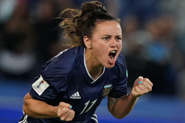 Las argentinas alcanzaron un empate imposible ante Escocia y esperan un milagro