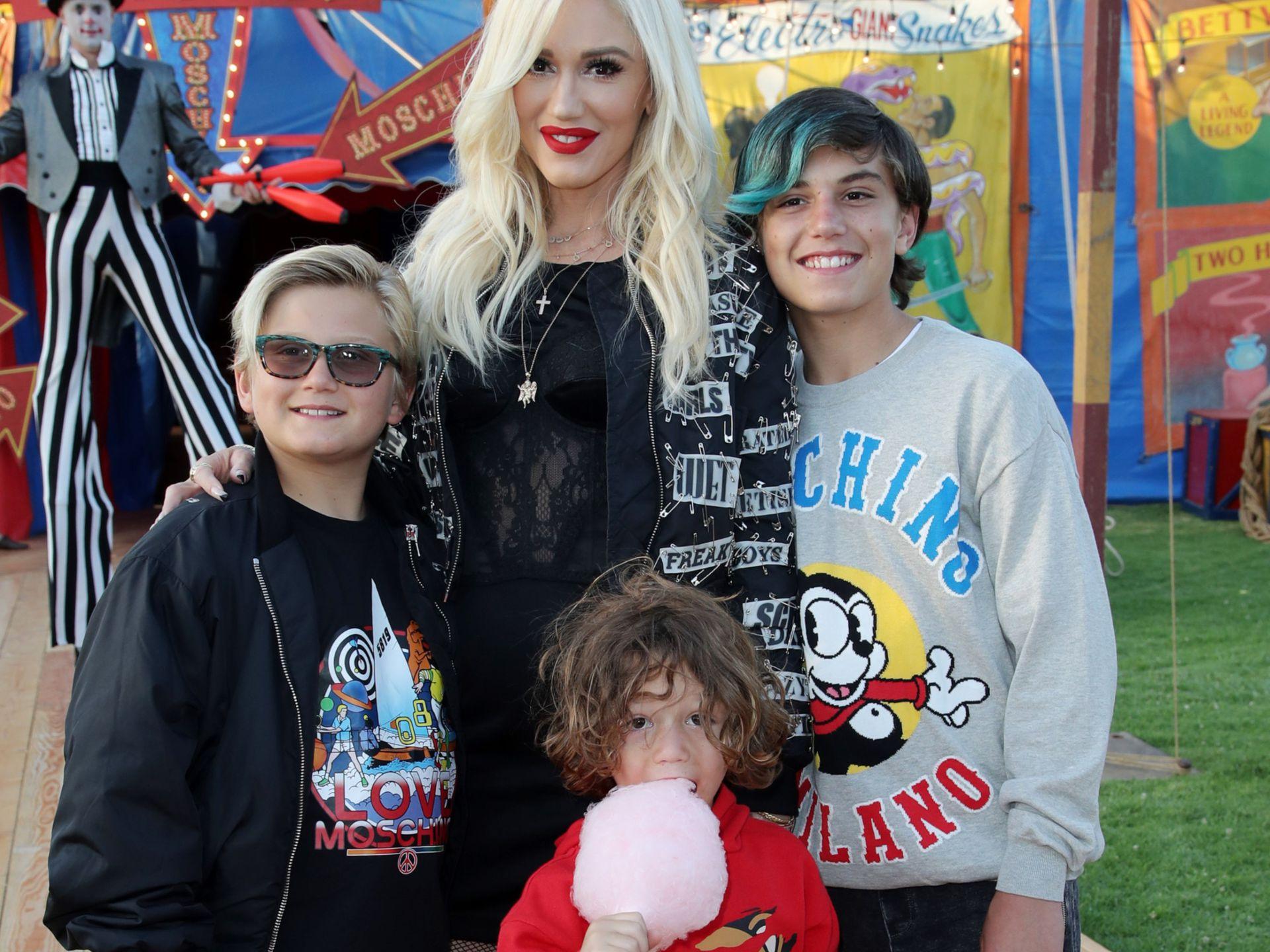 Gwen Stefani junto a los tres niños que tuvo con Gavin Rossdale: Kingston, Zuma y Apollo