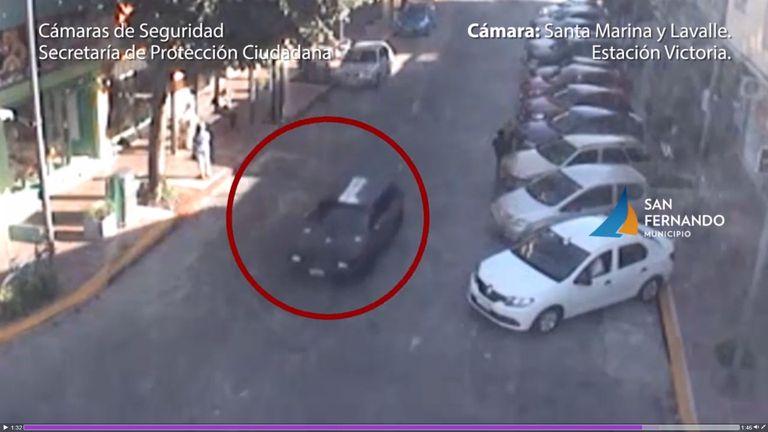El vehículo utilizado por los sicarios para perseguir a la víctima