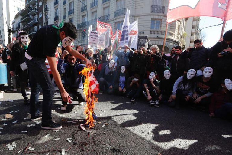 Los manifestantes anti G-20 marcharán por Avenida de Mayo hasta el Congreso