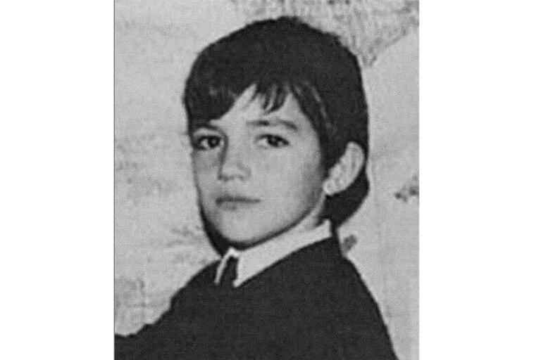 """Antonio Banderas compartió con sus seguidores una imagen de sus tiempos como joven estudiante. """"¡Parece que fuera ayer!"""", escribió el actor"""