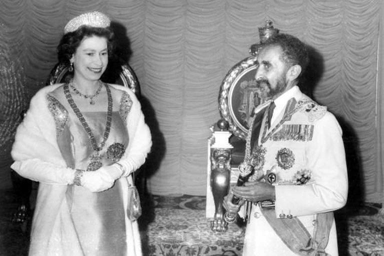 Haile Selassie con la Reina Isabel
