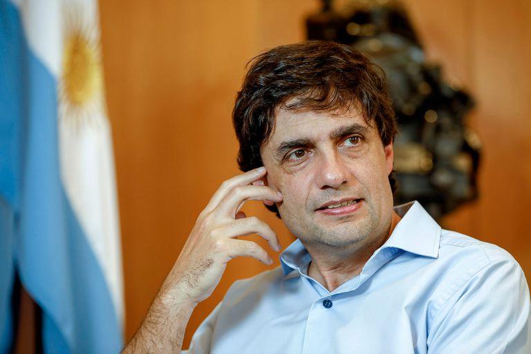 El ministro de Hacienda Hernán Lacunza, en diálogo con La NACION