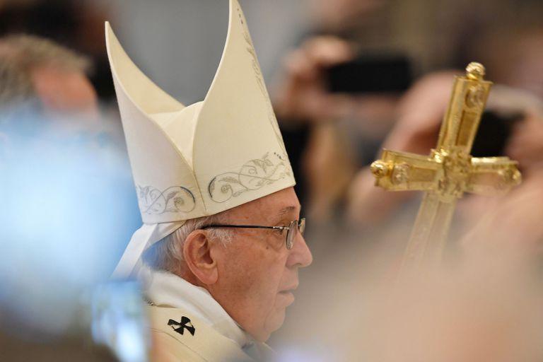 Luego del revuelo causado por su defensa del cuestionado obispo chileno Juan Barros en su reciente viaje a Chile, consciente de que este caso puede dañar su credibilidad, el pontífice decidió pasar a la acción