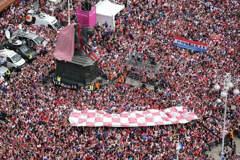 Miles de croatas ovacionaron a su selección, tras el subcampeonato mundial obtenido en Rusia 2018