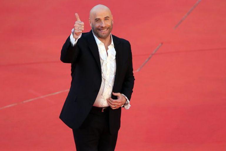 El actor estuvo en televisión y volvió a bailar como en la mítica escena del film de Quentin Tarantino.
