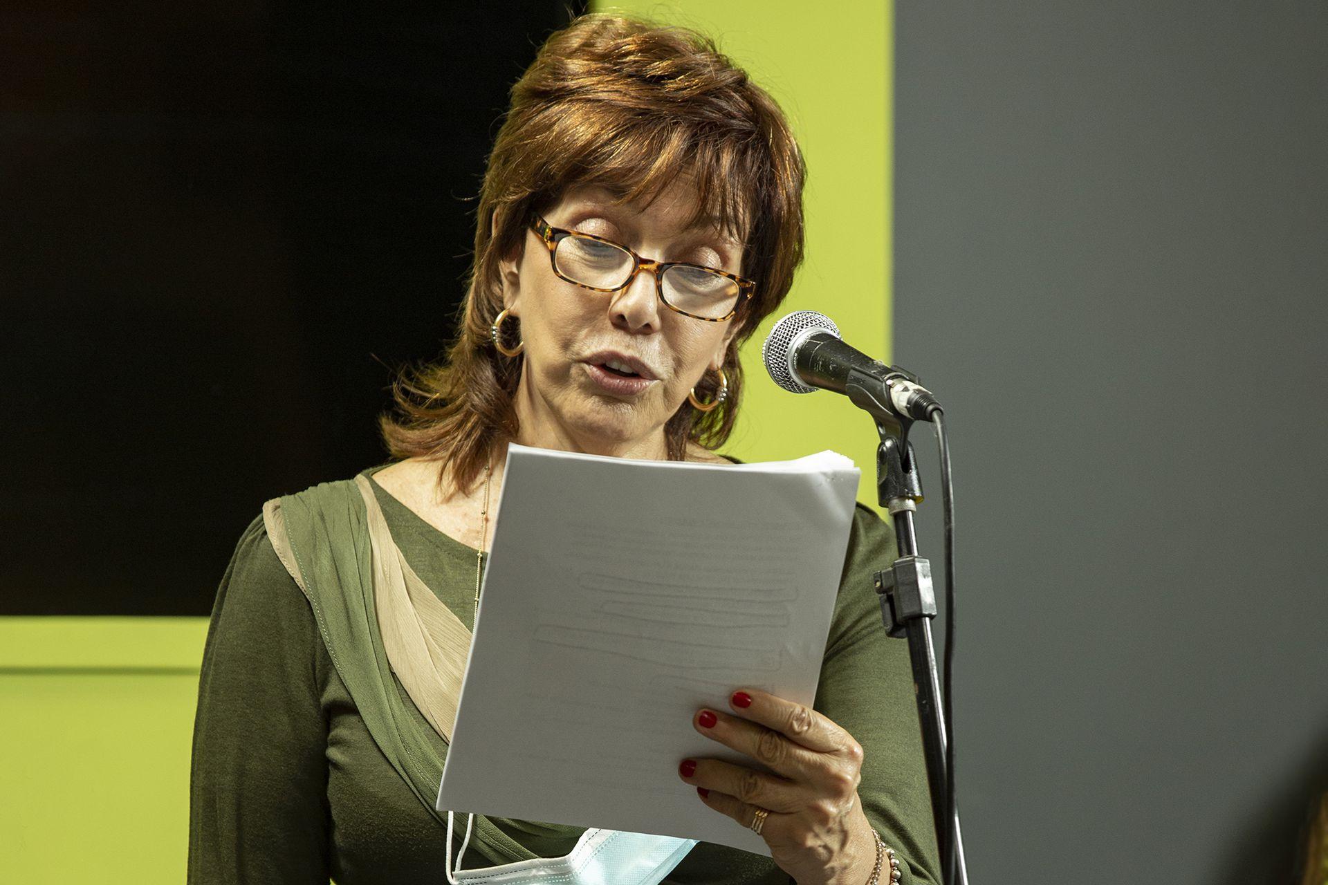 Nora Cárpena, actriz todo terreno, suma su voz a la radio