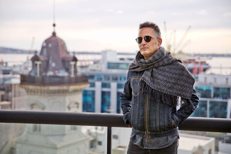 El cantante presentó en Montevideo Silente, el espectáculo que traerá al Gran Rex en septiembre