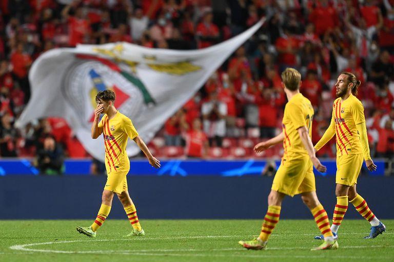 Barcelona se hunde y otra derrota por goleada deja contra las cuerdas a Koeman