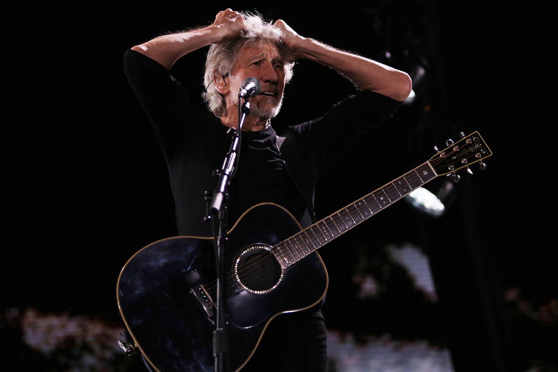 Roger Waters tomó la decisión de publicar los textos del biógrafo oficial de Pink Floyd con relación a cómo fue el proceso compositivo de Animals