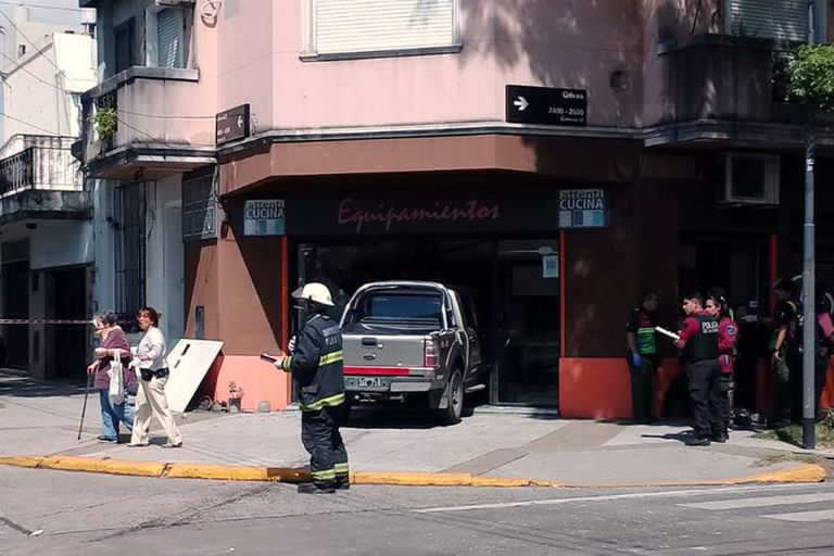 Villa Pueyrredón: seis heridos en un choque entre una camioneta y colectivo