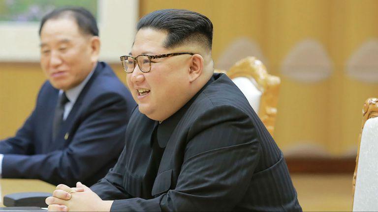 El líder norcoreano le hizo llegar el mensaje a través de una carta entregada en mano por funcionarios de Corea del Sur