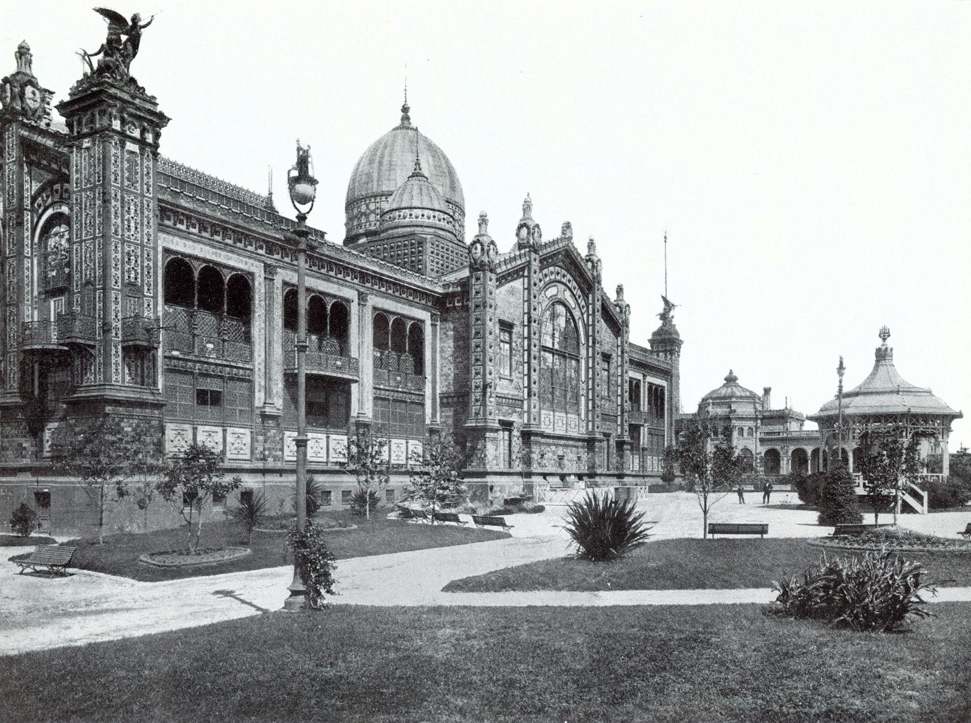 El Pabellón Argentino y sus jardines. Circa 1904.