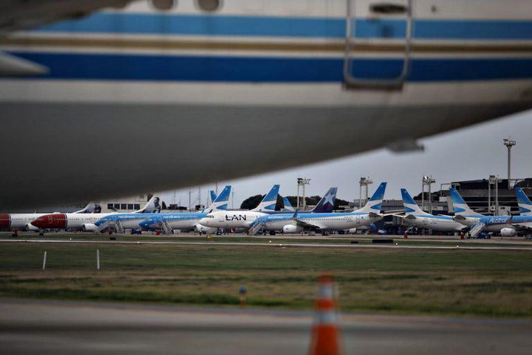 Aviones de LTAM en Aeroparque, el 17 de junio de 2020, el día que se anunció el cese de operaciones
